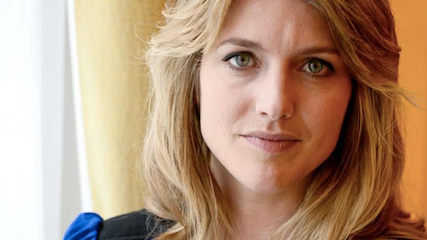 Vlaamse actrice Charlotte Vandermeersch in de film Baantjer