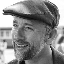 Acteur Waldemar Torenstra speelt Thijs in Huisvrouwen bestaan niet 2